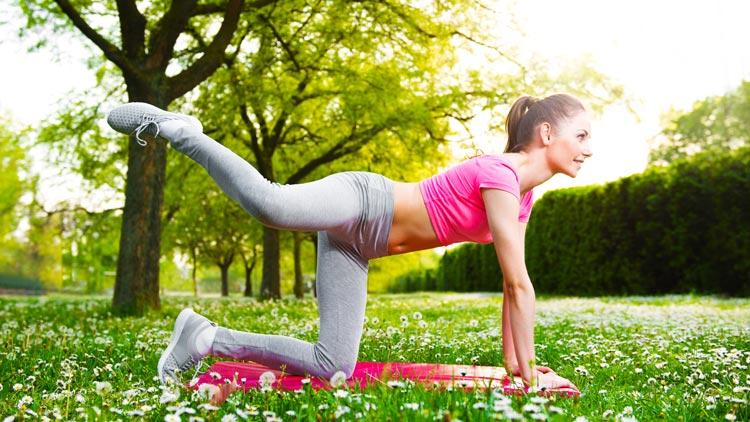 Übungen, mit denen Regelschmerzen schnell verschwinden