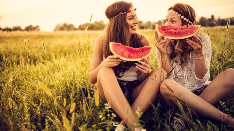 Ernährung während der Periode: Dos & Don'ts
